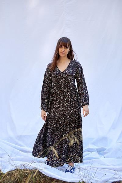 Φόρεμα εμπριμέ με μακρύ μανίκι