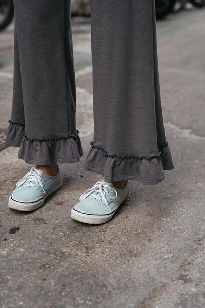 Παντελόνι με βολάν